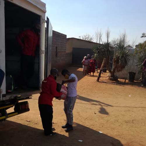 Siyakholwa Support Care Centre_COVID-19 – pandemic food distribution image 10